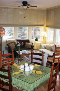 A Breakfast Nook in the Sunny Living Room - Lang House